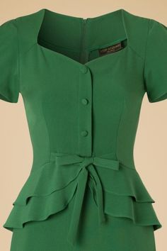 Stop Staring Green Rosemary Bow Pencil Dress 100 40 19483 20160701 0008 Vintage Dresses, Vintage Outfits, Vintage Fashion, Dress Skirt, Peplum Dress, Mode Vintage, Retro Dress, Pencil Dress, Vintage Green