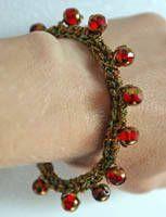 Holiday Sparkle Beaded Crochet Bracelet – Free Crochet Pattern