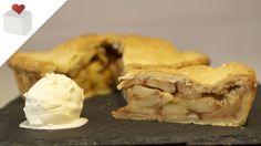 El apple pie tradicional lleva las manzanas maceradas dentro y envueltas por la masa. Este postre es ideal acompañarlo con una buena bola de helado de vainil...