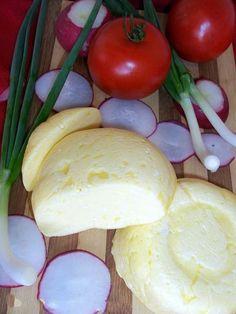 Cascaval de casa Mozzarella, Cooking Cheese, Romanian Food, Homemade Butter, Desert Recipes, Pickles, Deserts, Paleo, Dairy