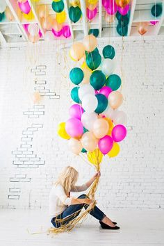 kind of obsessed with this color scheme - teal, peach, yellow, pink, white...these balloons are onto something!