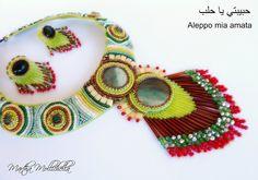 Aleppo collana ricamata a mano con cabochon in ceramica perline e avventurina Martha Mollichella design - Lacasinaditobia Lacasinaditobia