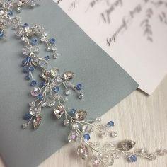 Когда невесте хочется поярче Веточка с сине-голубыми акцентами для невесты Наталии #dzhusjewelry #dzhusjewelry_свадебное По вопросам заказа и приобретения украшений пишите, пожалуйста, в личные сообщения vk, ссылка в профиле ☝️️ 8-921-579-1882 WhatsApp, Viber, Telegram @dzhus_jewelry (пишите в Direct) . ✅Сроки изготовления украшений от 3 дней до 3 недель в зависимости от сложности, наличия материалов и моей занятости . ✅Отправлю по всей России почтой РФ и курьерскими службами ✅В...