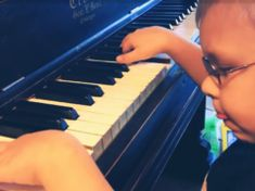 Blind Piano Prodigy Can Play Literally Anything, And Here's One Of His Best Covers Jonathan Antoine, Bill Medley, Flea Powder, Toddler Dance, Britain's Got Talent, Mommy Humor, Kids Singing, Unchained Melody, How To Do Splits