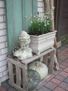 House facade / Exterior views' Herbstdeko - All For Garden Garden Art, Garden Design, Home And Garden, Home Decoracion, Faux Fireplace, Facade House, Porch Decorating, Decorating Ideas, Container Gardening