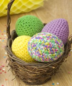 Easter Eggs Crochet Pattern by Red Heart yarns  #easter #crochet