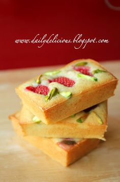 dailydelicious: Easy daily bake: Strawberry and pistachio Financier