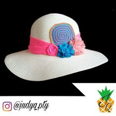 Sombrero JudyQ de Molas #sombrerodemolas #sombreros #molaspanama #molas #rosado #celeste #naranja #judyq #molaspty #panama #pty Vendido