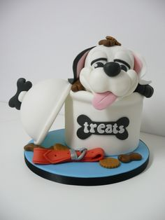 Got treats? Cake ~ too cute!