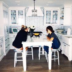 white kitchen.
