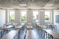 Gallery of 10 New Classrooms - Marcinelle / - 2 Classroom Architecture, Education Architecture, School Architecture, University Interior Design, School Building Design, New Classroom, Dining Table, House, Furniture