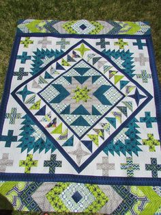 The Quilting Mill: Rustique Medallion Quilt by Emily Herrick