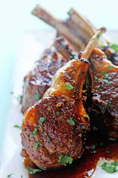 Savory goodness with sweetness to boot! These balsamic brown sugar lamb chops will be your favorite new dish for entertaining! I cannot get enough of my Omaha Steaks balsamic brown sugar lamb chops. Lamb Chop Recipes, Meat Recipes, Cooking Recipes, Best Lamb Recipes, Sauce Recipes, Dinner Recipes, Dessert Chef, Lamb Dishes, Gastronomia
