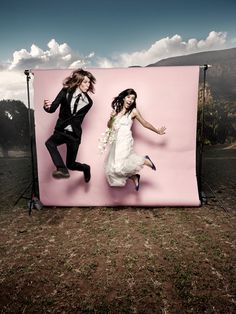 i am DYING to do a photo booth type thing at some of my weddings...this is KYOOT!