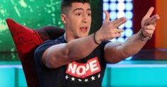 """Νέο χτύπημα από τον """"Αγάπη μόνο"""": Κάνει κάμψεις δίπλα στη φιλαρμονική της Κοζάνης! [video]"""