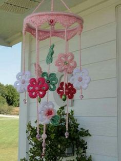 crochet:: girlie mobile - Hello there friend. Please don't stand too close to this post. You may just catch the plague. Crochet Decoration, Crochet Home Decor, Crochet Crafts, Crochet Toys, Crochet Projects, Knit Crochet, Crochet Curtains, Crochet Doilies, Crochet Flowers