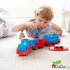 Pasajeros al tren! Proxima parada: Ecología!  El tren fabricado a partir de botellas de leche recicladas.  #cucutoys #greentoys #juguetes #niños #ecologia #reciclaje #tren