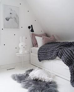 .pink and gray girls bedroom