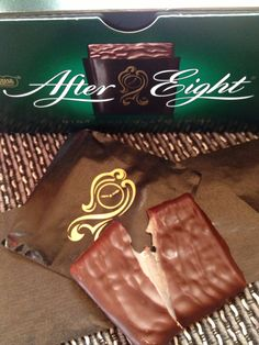 After Eight chocolate mint thins -Sweetness Chocolate Candy Brands, Mint Chocolate, After Eight Chocolate, Christmas Candy, Chocolates, Paper Shopping Bag, Aesthetics, Cupcakes, Sweets