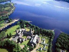 Definitely a must-stay when visiting Loch Ness area in beautiful Scotland)