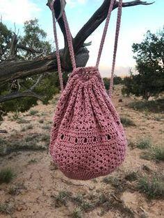 Boho backpack / bucket bag / crochet backpack / crochet bag Source by stepha ., Boho Backpack / Hobo Bag / Crochet Backpack / Crochet Bag Source by stephaniebischof boho bag # crochet backpack. Bag Crochet, Crochet Shell Stitch, Crochet Handbags, Crochet Purses, Free Crochet, Crochet Drawstring Bag, Crochet Backpack Pattern, Crochet Needles, Crochet Shoes