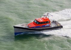 Koningin Máxima doopt nieuwe reddingboot Nh1816