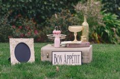 Bon Appetit!  Photo by Alyica Creative | Set Design by Your Vintage Affair Wedding & Event Rentals | Coordination by Blissful 2 Be #pink #blush #gold #wedding #weddingplanning #juleechic
