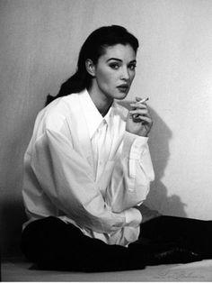 "la-bellucci: "" Monica Bellucci for Vogue 1994 "" Pretty Girls & Bourbon Women Smoking, Girl Smoking, Portrait Photography, Fashion Photography, Candid Photography, Eartha Kitt, Vogue, Poses References, Italian Actress"