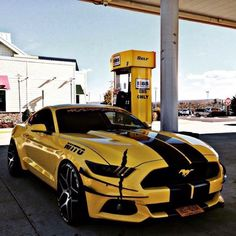I ❤️ this Mustang Ford Mustang Cars, Ford Mustang Gt, For Mustang, Moto Design, Sweet Cars, American Muscle Cars, Amazing Cars, Hot Cars, Porsche Classic