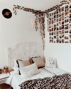 dream rooms for girls teenagers ~ dream rooms + dream rooms for adults + dream rooms for women + dream rooms luxury + dream rooms teenagers + dream rooms for couples + dream rooms for adults bedrooms + dream rooms for girls teenagers Cute Bedroom Ideas, Cute Room Decor, Room Ideas Bedroom, Home Decor Bedroom, Diy Bedroom, Bedroom Inspo, Teen Room Decor, Boho Dorm Room, Room Decor Boho