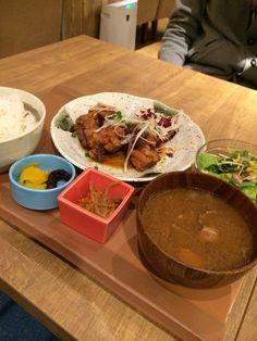 週替わりランチ(kawara和定食)鶏肉のから揚げ油淋鶏ソース掛け