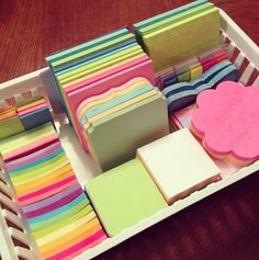 Pin de chisu barbara em cartoleria desk organization, cute stationery e sch Stationary Store, Cute Stationary, Cool School Supplies, Office Supplies, School Suplies, Study Room Decor, School Stationery, School Organization, Sticky Notes