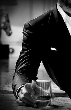 41 trendy Ideas photography noir et blanc homme Mafia, Outfit Zusammenstellen, Rocker Outfit, Look Man, Classy Men, Hommes Sexy, Gentleman Style, Dapper Gentleman, Belle Photo