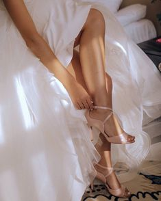 Bridal Boudoir Wedding Photography #weddingphotos #Boudoir #weddingideas Wedding Boudoir, Wedding Photoshoot, Getting Ready Wedding, Wedding Photography Poses, Photo Poses, Wedding Bridesmaids, Weddingideas, Formal Dresses, Tops
