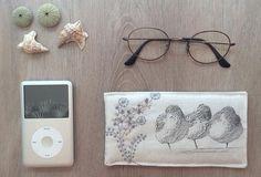 étui a lunettes molletonné  pochette ipod iphone  broderie