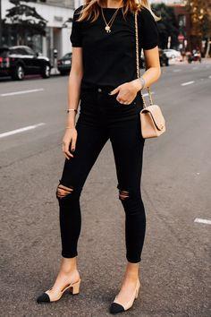 10 Simple Wardrobe Essentials For Women Minimal Classic Street Styles . womens black skinny jeans, black denim outfit for women Black Jeans Women, Black Jeans Outfit, All Black Outfit, Black Women Fashion, Womens Fashion, Denim Outfit, Black Skinnies, Black Denim, Dress Black