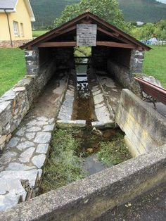 Lavoir ancien communal de Barcia