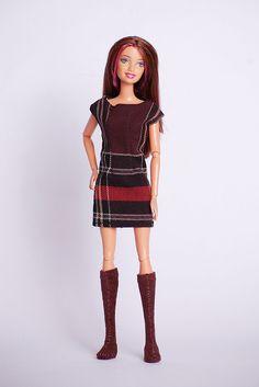 Осенний лук: пальто, платье, сапожки