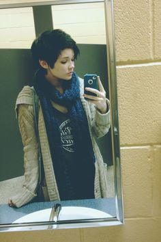 i love this picture; cute pixie cut and lazy-with-effort-style
