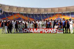 डिजिटल डेस्क, अहमदाबाद। भारत ने शनिवार को अहमदाबाद के नरेंद्र मोदी स्टेडियम में इंग्लैंड को चौथे टेस्ट में एक पारी और 25 रनों से हराया। इसके साथ ही चार टेस्ट मैचों की सीरीज 3-1 के अंतर से जीत ली। भारत इस जीत से विश्व टेस्ट चैंपियनशिप के फाइनल में पहुंच गया है, जहां उसका सामना न्यूजीलैंड से होगा। फाइनल मुकाबला इस साल 18 से 22 जून तक इंग्लैंड के लॉर्डस मैदान पर खेला जाएगा। टीम इंडिया की यह घर में लगातार 13वीं टेस्ट सीरीज जीत है। भारत ने 2013 में आस्ट्रेलिया को 4-0 से हराकर घर टेस्ट सीरीज जीतने…