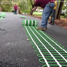 These Snow Melt Driveway Mats will take care of the snow and ice blocking your driveway for you. Relax and go about your day without picking a shovel. Driveway Design, Diy Driveway, Driveway Ideas, Grad Party Decorations, Home Fix, Cool Inventions, Diy Home Improvement, Home Repair, Cool Tools