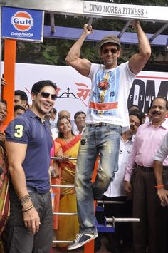 Hrithik Roshan Photos - Hrithik at Dino Morea fitness station launch Dino Morea, I Movie, Movie Stars, Next Bond, Shahid Khan, Indian Star, India People, Most Handsome Men, Indian Movies