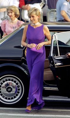 The Princess of Wales was gorgeous in this royal purple gown during a visit to Chicago. via StyleList