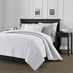 "Chezmoi Collection Austin 3-piece Oversized (100""x106"") Bedspread Coverlet Set Queen, White"