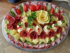 64 New Ideas For Cheese Platter Presentation Display Party Trays Meat Trays, Food Platters, Party Trays, Party Snacks, Sandwich Cake, Food Garnishes, Food Displays, Food Decoration, Cheese Platters