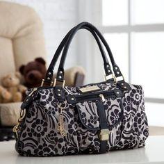 The Fashionable Bambino - http://www.thefashionablebambino.com/2011/09/14/top-five-fashionable-diaper-bags/