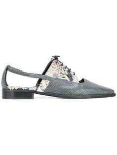 Oxford-Schuhe mit Cut-Outs