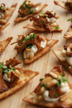 40 ideas party snacks vegan finger foods for 2019 Finger Food Appetizers, Appetizer Recipes, Snack Recipes, Cooking Recipes, Vegan Snacks, Tapas, Vegan Finger Foods, Good Food, Yummy Food