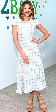 Jennifer Lopez Radio Disney Awards, Sarah Hyland crop top : People.com