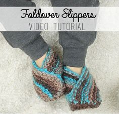 Easiest Toddler Slippers Ever Free Knitting Pattern knitting toddler Easiest Toddler Slippers Knitting Pattern - Gina Michele Baby Booties Knitting Pattern, Knit Baby Booties, Baby Knitting Patterns, Easy Knitting, Knitting For Beginners, Loom Knitting, Charity Knitting, Baby Slippers, Knitted Slippers
